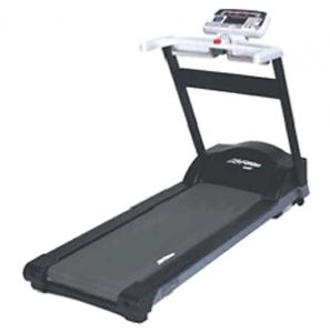 Life Fitness 5500 – Treadmill 1